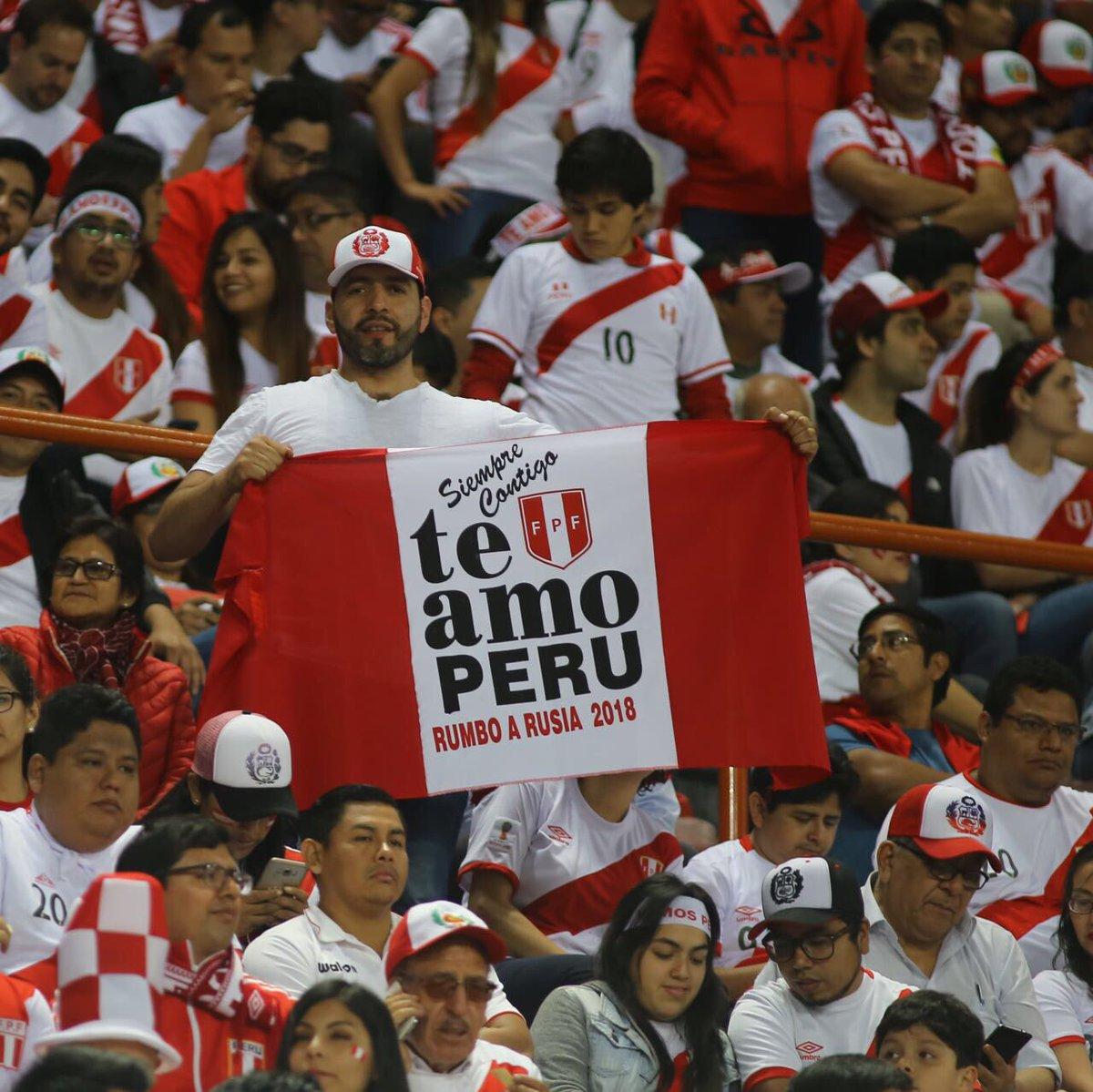 Inició el partido. ¡Vamos Perú!